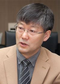 Hyug Moo Kwon